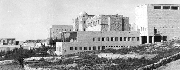 The Student Club and the Museum building, view from the south (1940's). The Hebrew University Photo Archives (Photo Alfred Bernh